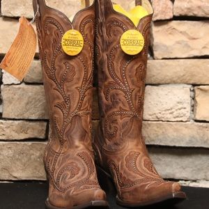 Corral Brown Boot with Red Embroidery and Studs